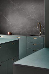 black&green kitchen